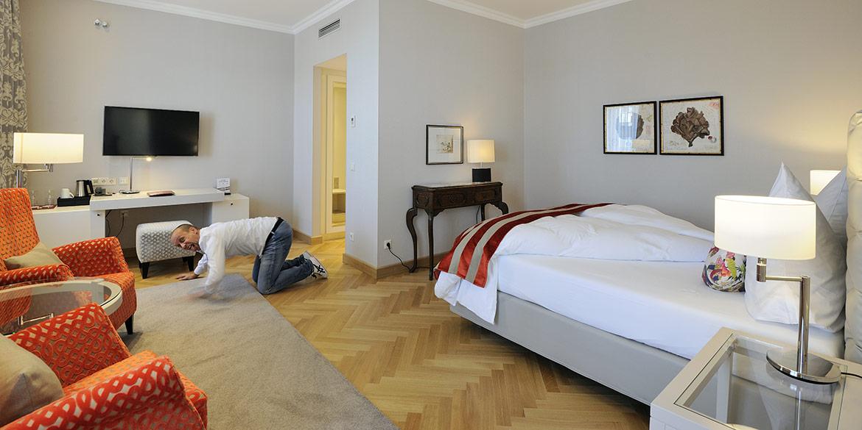 Making-of-Bild Imageaufnahmen für Kastens Hotel Luisenhof mit Fotograf Daniel Möller aus Hannover