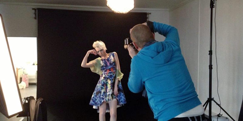 Making-of-Bericht Fotoshooting Abschlusskollektion Modedesign-Studentin Stephanie Bromfield Fotograf Daniel Möller Hannover