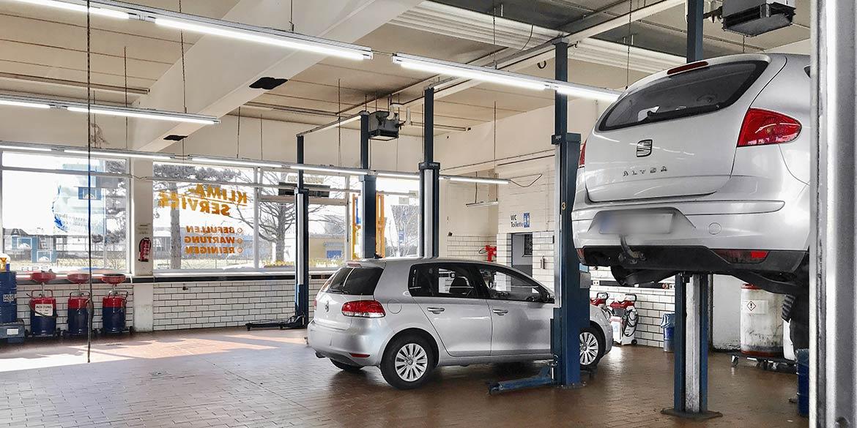 Making-of-Bild Imageaufnahmen Autoteile NGK NTK mit Fotograf mit Daniel Möller aus Hannover