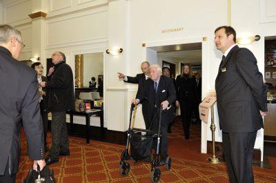 Reportageaufnahme Helmut Schmidt beim Besuch Wen Jiabao in Kastens Hotel Luisenhof Hannover